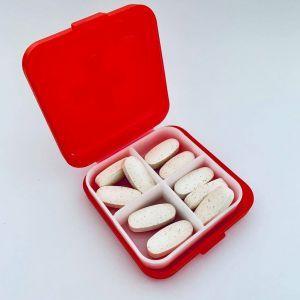 Органайзер для витаминов красный, Pill Box, 1 шт
